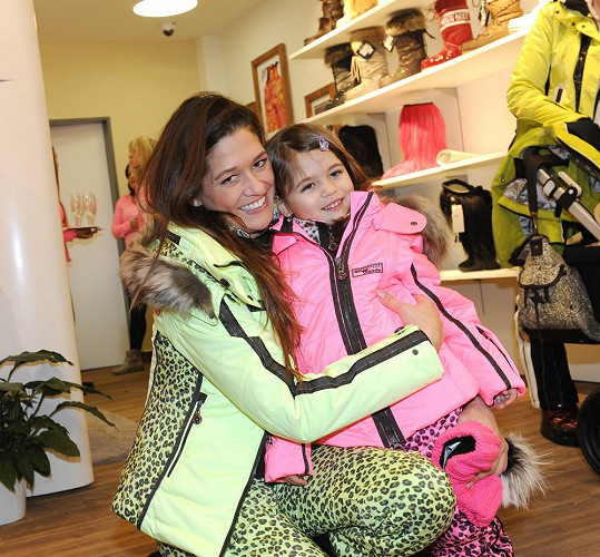 Petra Faltýnová bude dceru vypravovat na její první lyžařský kurz se školkou.