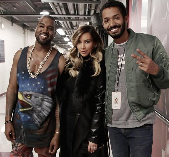 Yemi má za sebou participaci na turné Yeezus jedné z nejvýraznějších hudebních osobností současnosti Kanyeho Westa.