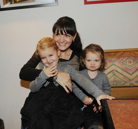 Alice Jandová s dcerami