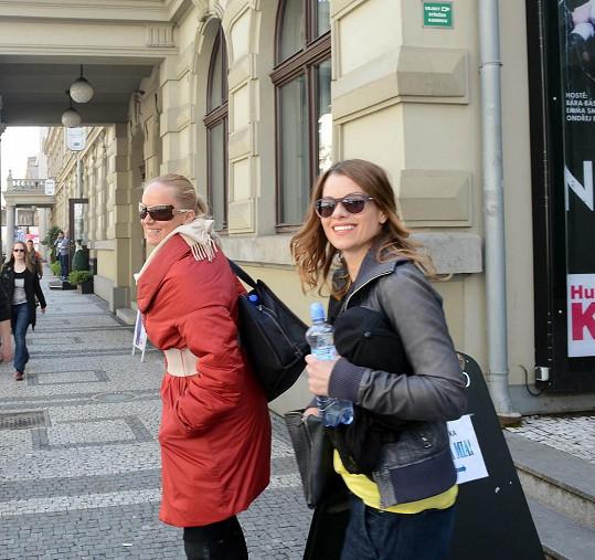 S Hanou Holišovou, která jí bude hrát dceru, přijely z Brna autobusem.