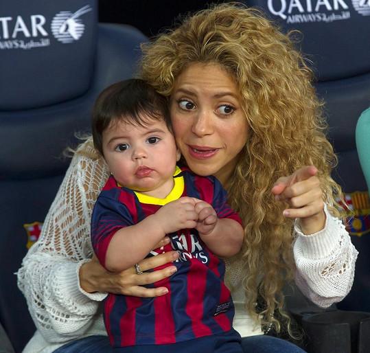Shakira se snažila upoutat Milanovu pozornost. Marně.