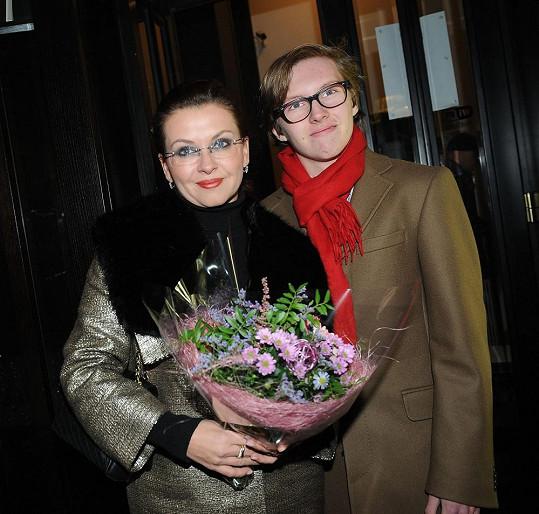 Dana Morávková vyrazila do společnosti se synem Petrem.