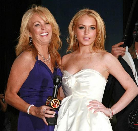 Lindsay Lohan s matkou Dinou.