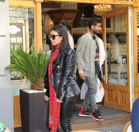 Kim byla v Praze k nepřehlédnutí.