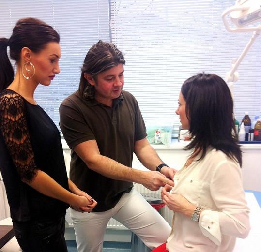 Matku Táni Makarenko bude operovat stejný chirurg, který zvětšoval také její poprsí.