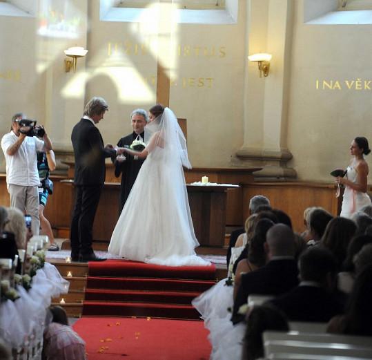 Sňatek byl církevní.
