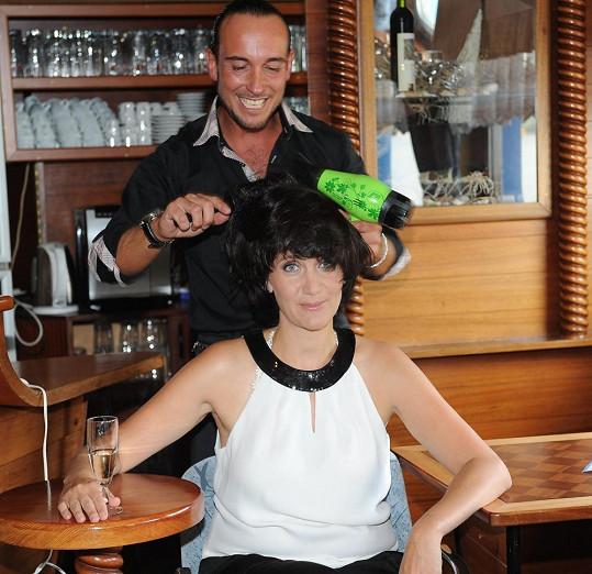 Ester se svým kadeřníkem Míšou