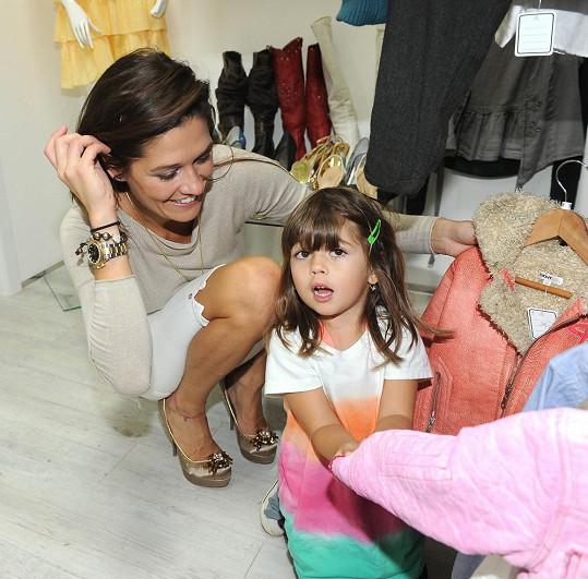 S dcerkou se vypravila na otevření VIP second handu.