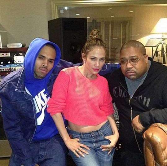 Zleva: Chris Brown, Jennifer Lopez a Cory Rooney.