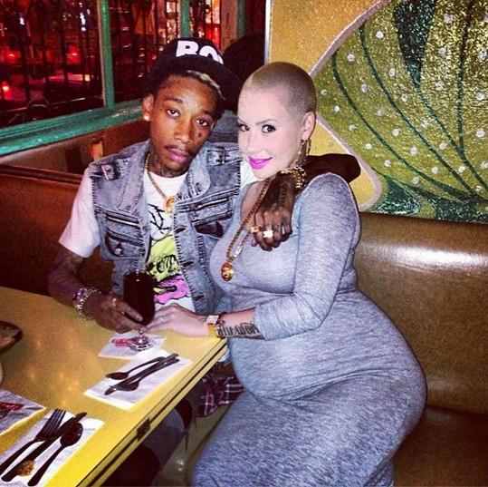 Těhotná Amber s otcem dítěte Wizem Khalifou.