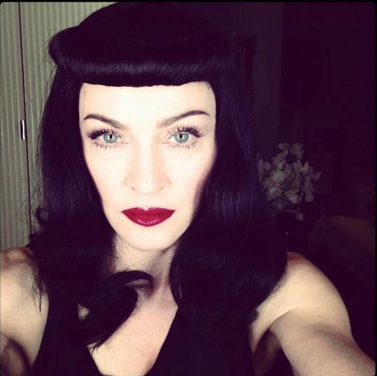 Madonna jako brunetka.