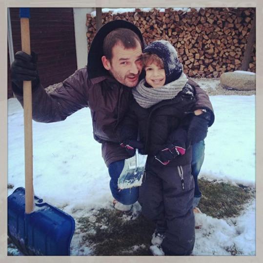 Victoria má se svým životním partnerem Thomem roztomilého syna Davida.