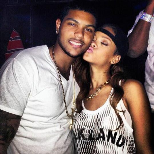 Rihanna nemá problém navazovat kontakty se sympatickými muži.