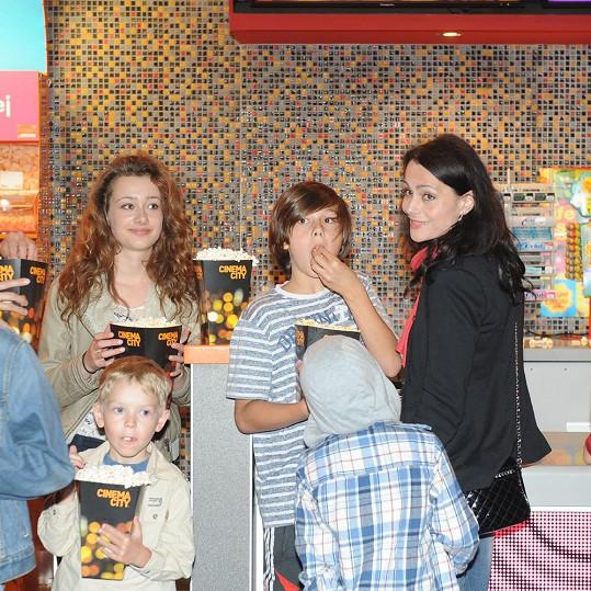 Vendulka Křížová se svými dětmi