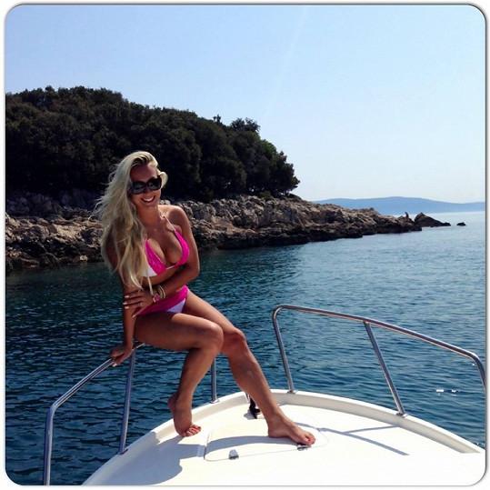 Veronika si užívá na dovolené v Chorvatsku.