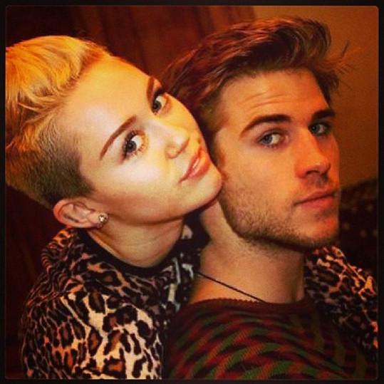 Liam Hemsworth prožil s Eizou po rozchodu s Miley Cyrus krátký románek.