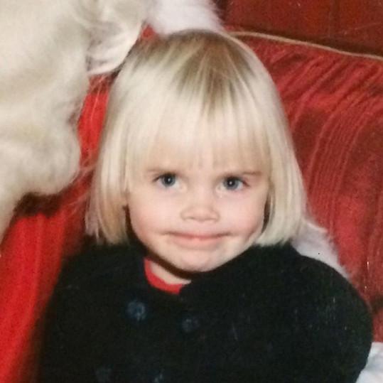 Cara na snímku z dětství.