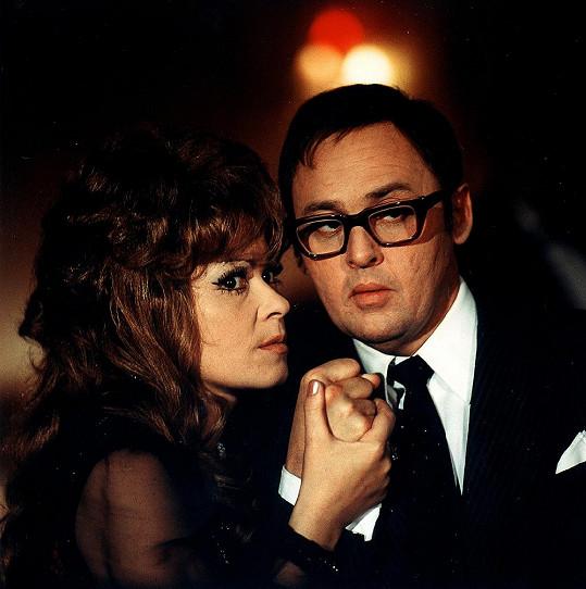 Čtyři vraždy stačí, drahoušku (1970)