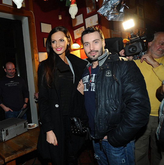 Eliška Bučková zase dělala řidičku svému Noidovi.