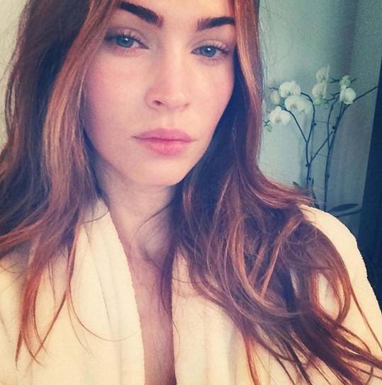 Megan Fox by k životu líčení vůbec nepotřebovala...