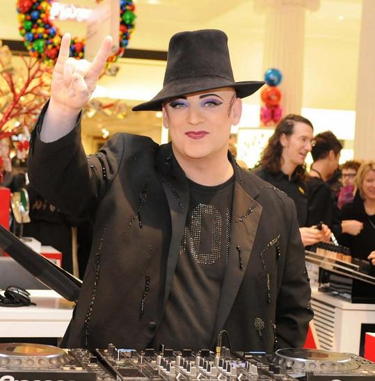 Boy George v prosinci 2010.