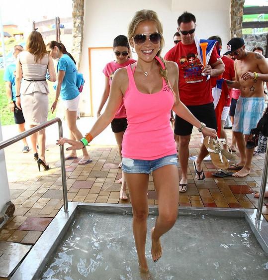 Michaela Ochotská byla ozdobou aquaparku.