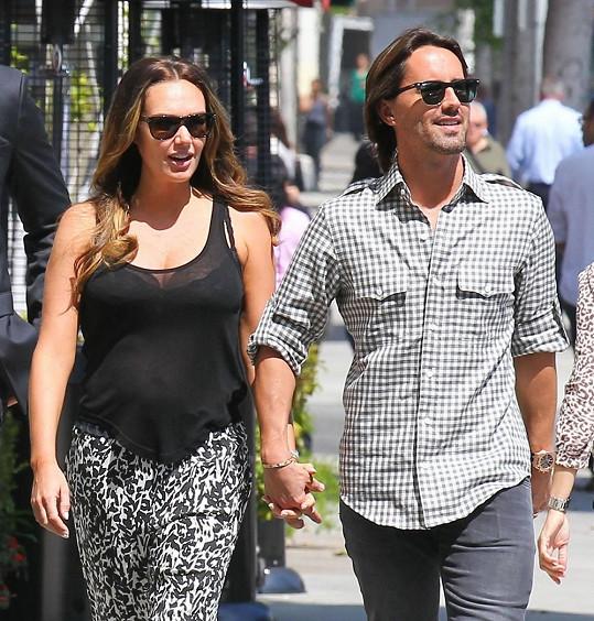 Tamara Ecclestone a Jay Rutland se stanou rodiči.