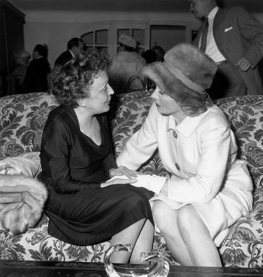 S kamarádkou Marlene Dietrich
