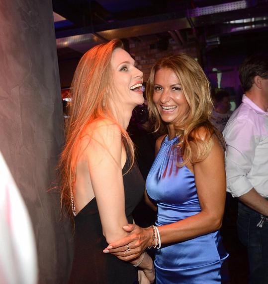 Yvetta dováděla s kamarádkou Andreou Verešovou.