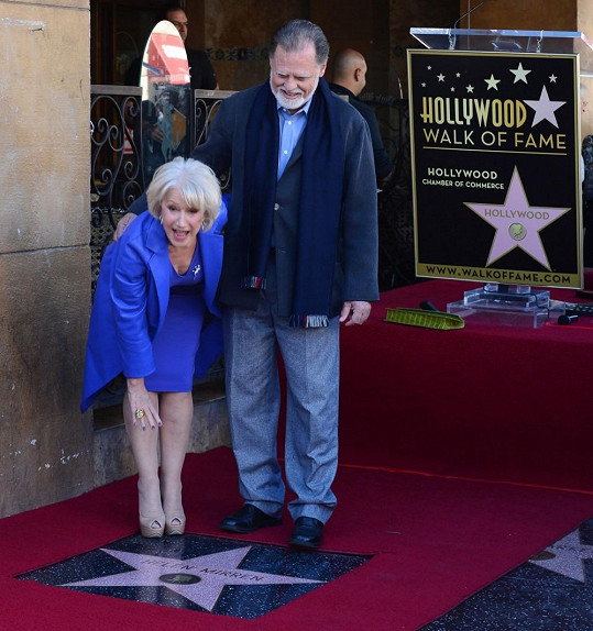 Herečka se svým manželem Taylorem Hackfordem.