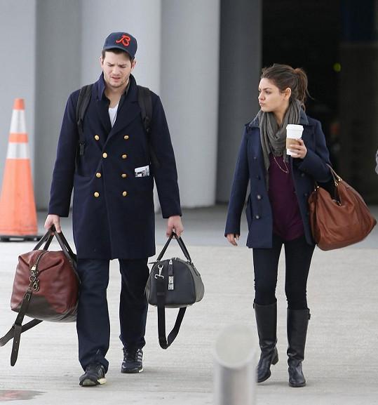 Mila Kunis s Ashtonem Kutcherem.