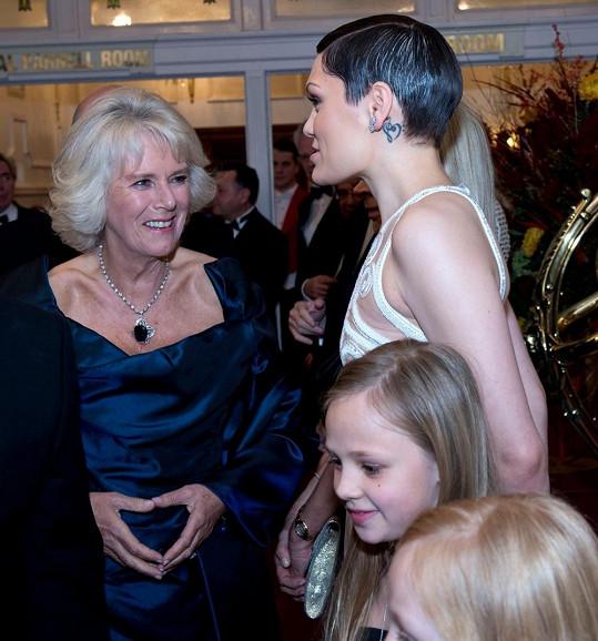 Jessie J s vévodkyní z Cornwallu Camillou