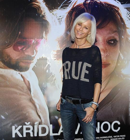 Karin s Krajčem. Aspoň na plakátu.