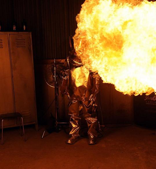 Agáta v plamenech