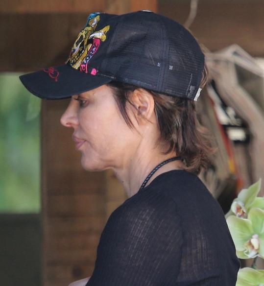 Lisa Rinna s unavenou tváří a mnohonásobně zvětšovanými rty