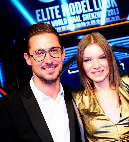 Eva s ředitelem produkce Schwarzkopf Elite Model Look Jiřím Zalabákem