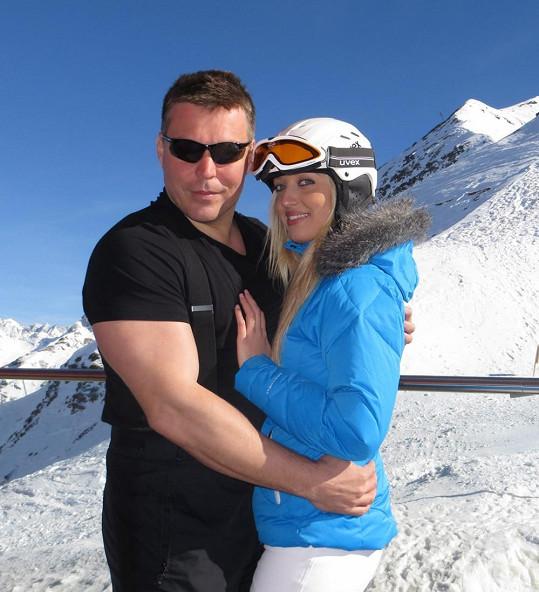 Novotný a Morávková si zařádili i přímo na sněhu.