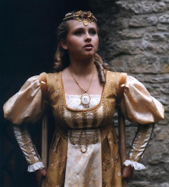 Dana Morávková v jedné z prvních hlavních rolí. Psal se rok 1990.