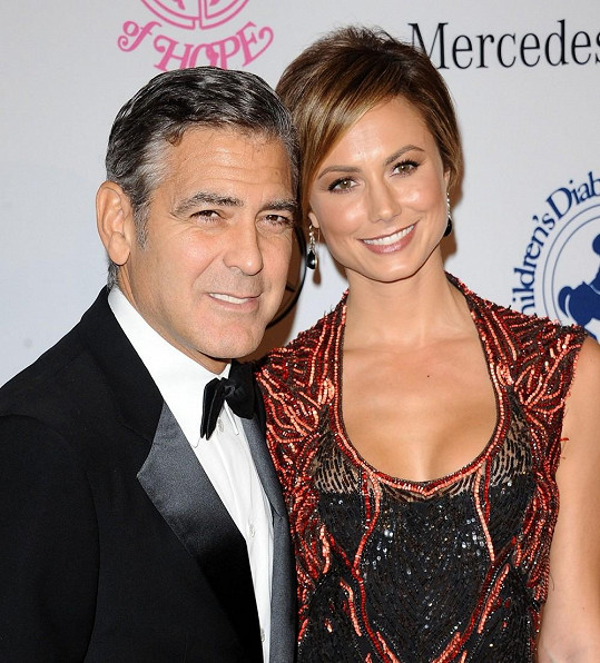 Goerge Clooney a Stacy Keibler.