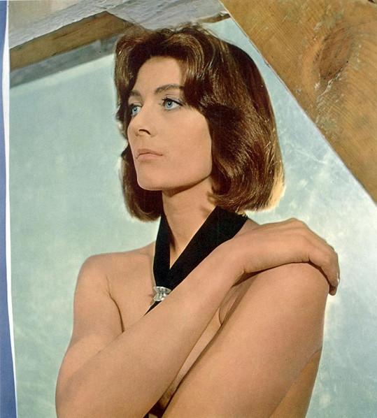 Vanessa Redgrave začala filmovou kariéru svlékáním....