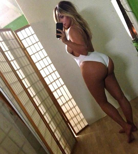 Kim Kardashian se znovu osmělila a nafotila něco pro fanoušky...