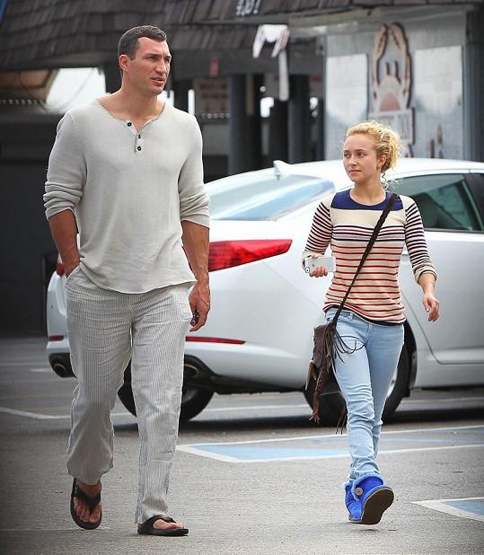 Ukrajinský obr a drobná americká blondýnka spolu trávili čas v Miami.