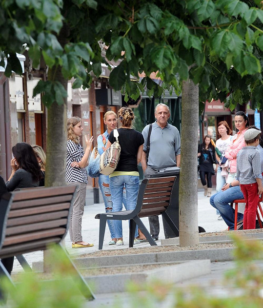 Dominika Mesarošová s Petrem Ptáčkem na kolonádě