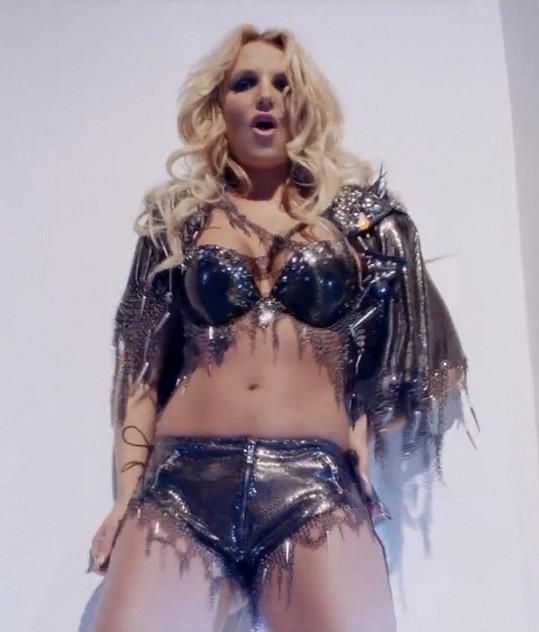 Britney Spears ráda provokuje.