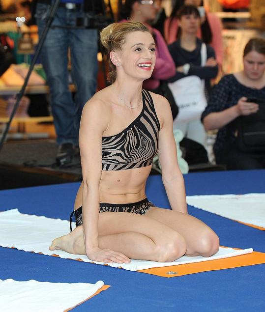 Ivana cvičí bikram jógu pravidelně.