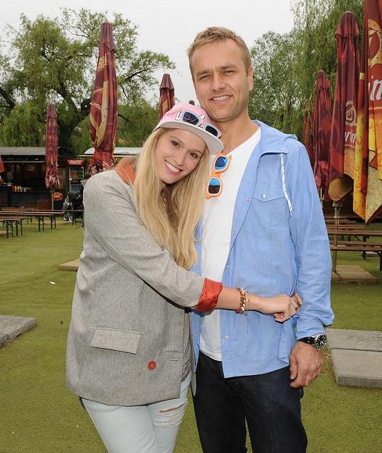 Míša Štoudková s přítelem Karlem chodí půl roku.
