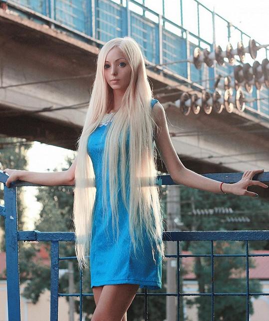 Alina Kovalevskaja má na internetu zástupy fanoušků.