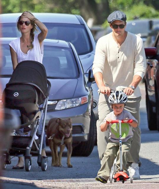 Gisele, manžel Tom a jejich děti