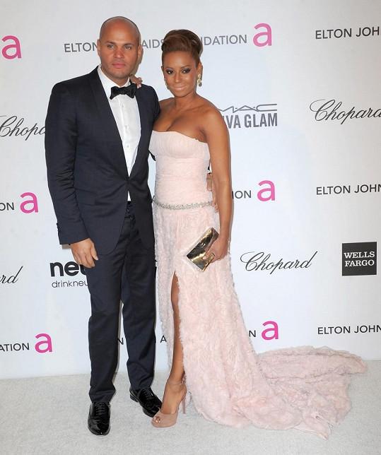 Zpěvačka s manželem Stephenem Belafontem.