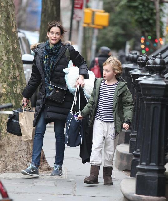 Liv Tyler se synem Milem.